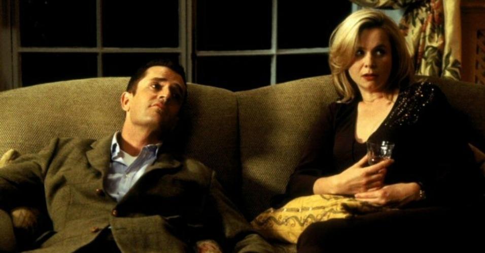 "Rupert Everett e Emily Watson em cena de ""Mentiras Sinceras"" (2005)"