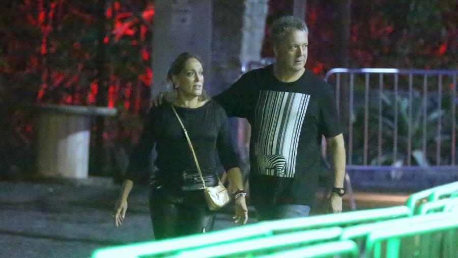 Suzana Vieira e o filho vão a balada no Rio - AgNews