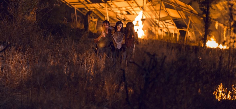 """Rick, Carl e Michonne do nono episódio da oitava temporada de """"The Walking Dead"""" - Divulgação"""