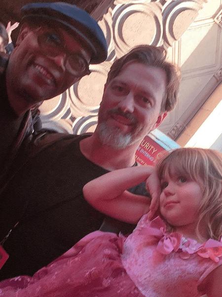 O pequeno James com o pai e Samuel L. Jackson - Reprodução/Instagram