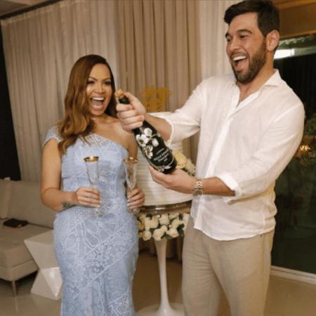 Solange Almeida e Leandro Andriani comemoram 1 ano de casados - Reprodução/Instagram