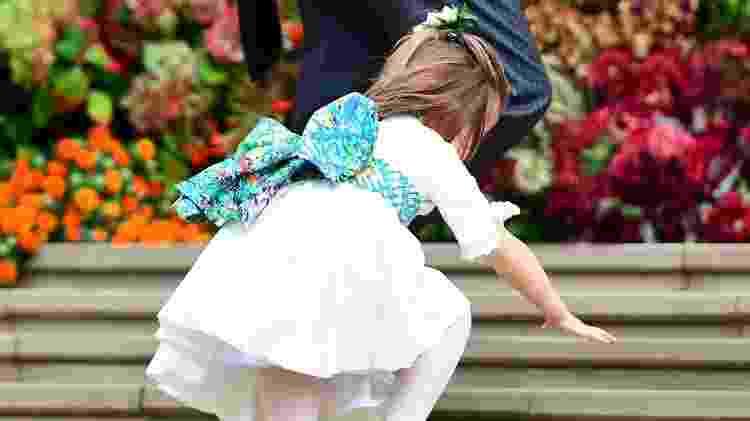 A princesa Charlotte deu uma escorregada na entrada da Capela de São Jorge, em Windsor - Getty Images - Getty Images