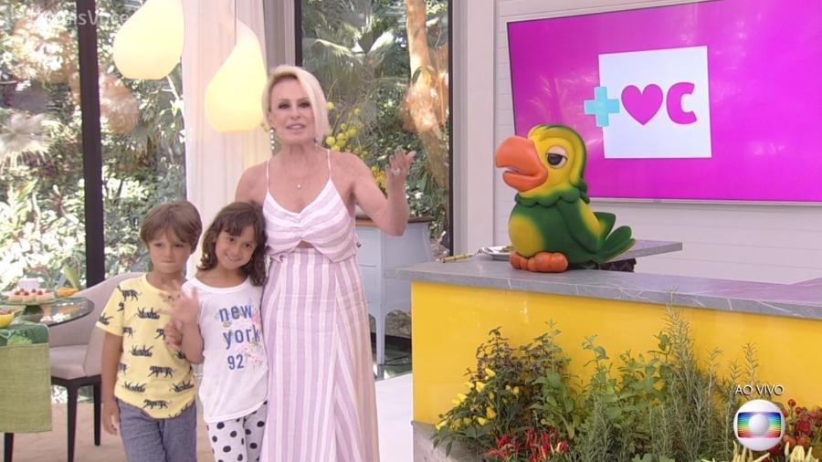 """Ana Maria Braga com os netos no """"Mais Você"""" - Reprodução/Globo"""