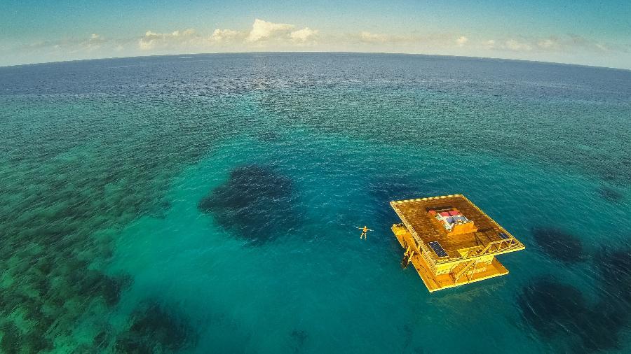 Acomodação no meio do mar do The Manta Resort, na Tanzânia, que tem quarto submerso - Jesper Anhede/The Manta Resort, Underwater Room, Pemba Island