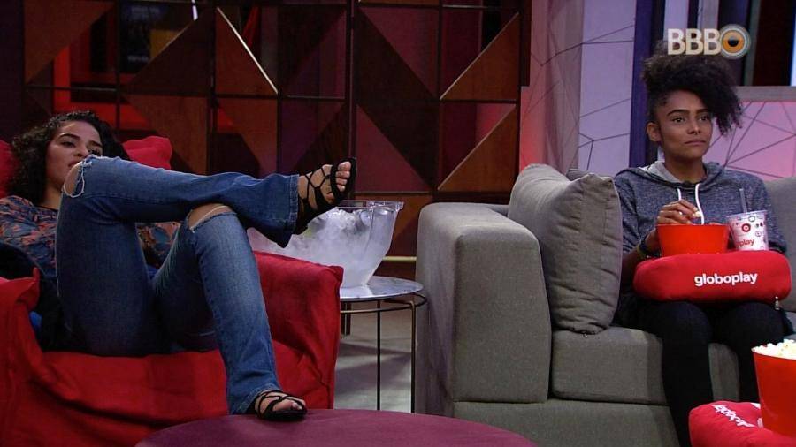 Elana e Gabriela aproveitam o cinema do líder - Reprodução/GloboPlay