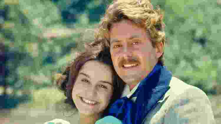 Lucélia Santos e Edwin Luisi formaram par romântico em Escrava Isaura (1976) - Globo/Cedoc - Globo/Cedoc
