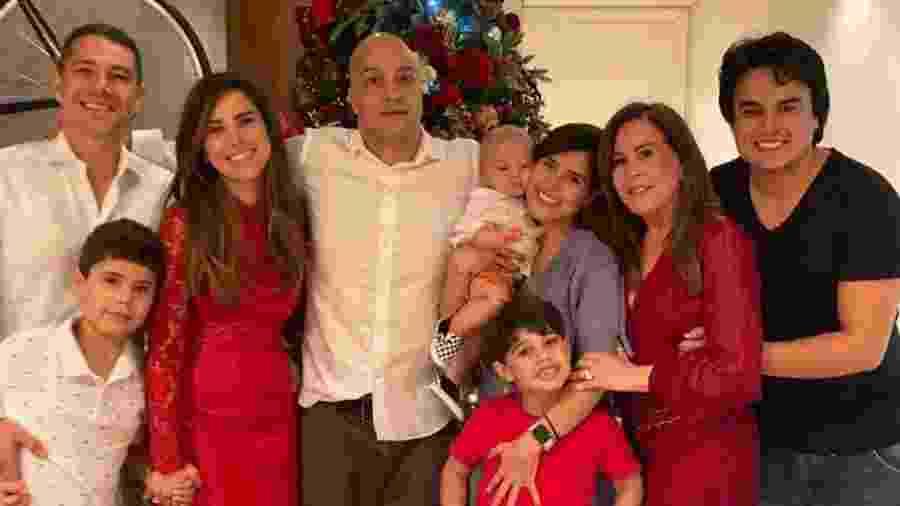 Zilu com a família no Natal - Reprodução/Instagram