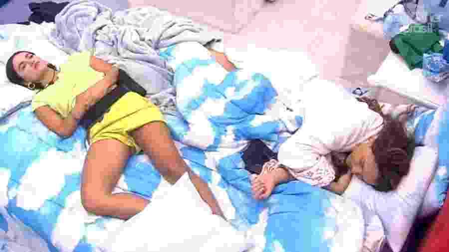 Enquanto Manu e Rafa descansam tranquilas, fãs e haters de todos os participantes do BBB 20 se ofendem nas redes sociais - Reprodução/Globoplay