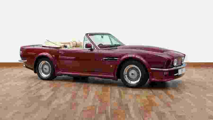 Aston Martin V8 Volante 1988 - Divulgação