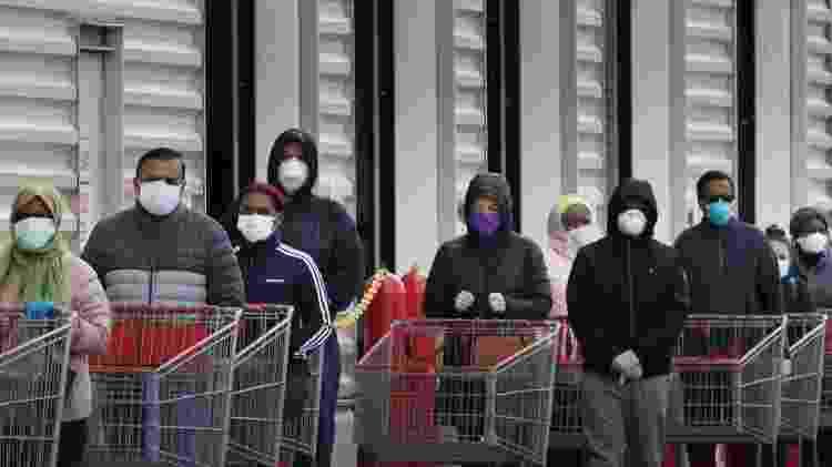 Até agora, o principal argumento para o uso de máscaras é a proteção de outros - Getty Images - Getty Images