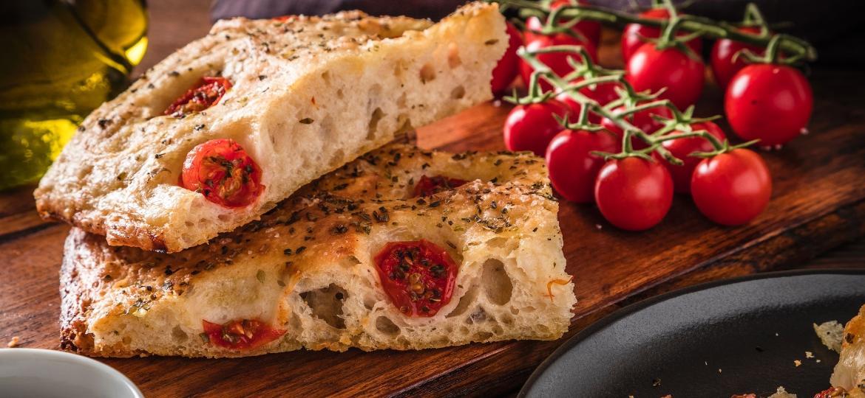 Preparado com azeite, pão é saboroso e aerado - Getty Images