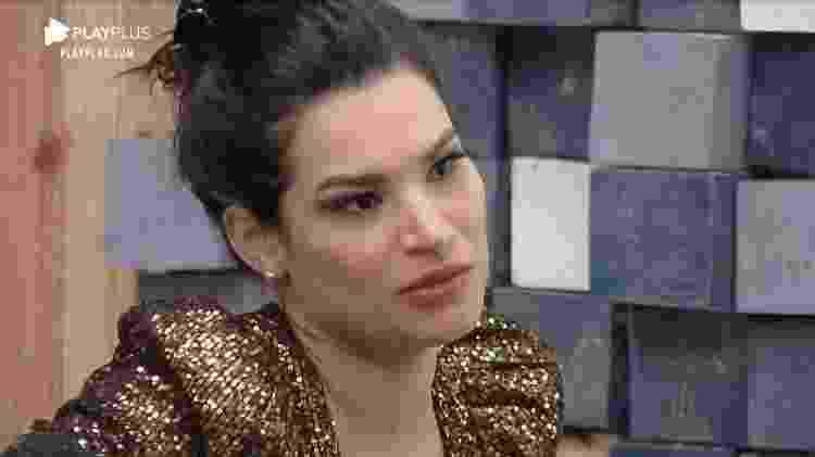 Raissa desabafa com Carol Narizinho - Reprodução/RecordTV - Reprodução/RecordTV