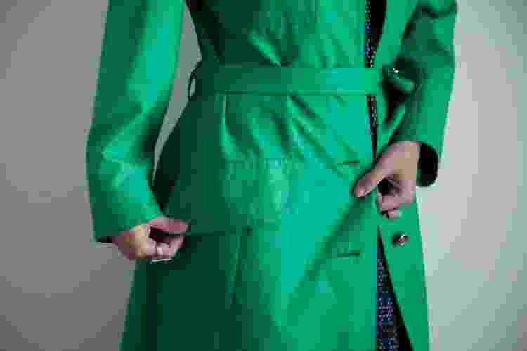 Trench coat da Pierre Cardin - Arquivo Pessoal - Arquivo Pessoal