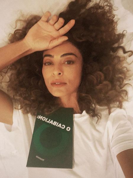 Juliana Paes posa sem maquiagem e com os cachos soltos - Reprodução / Instagram