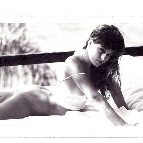 17.set.2015 - Luciana Vendramini, de 44 anos, postou em seu Instagram uma foto inédita de seu ensaio nu quando tinha apenas 17 anos para a revista Playboy, em 1987.