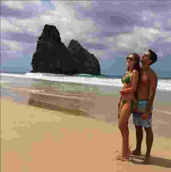 Marina Ruy Barbosa e Xandinho Negrão na praia de Fernando de Noronha 2016 - Reprodução/ Instagram/ @marinaruybarbosa