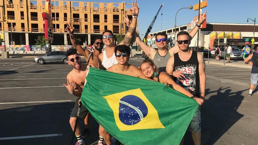 Grupo de brasileiros que a reportagem do UOL acompanhou na EDC Las Vegas - James Cimino