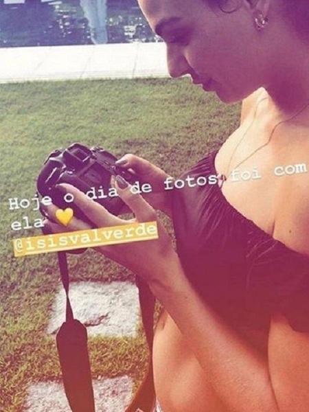 Isis Valverde mostra a barriguinha de grávida pela primeira vez - Reprodução/Instagram