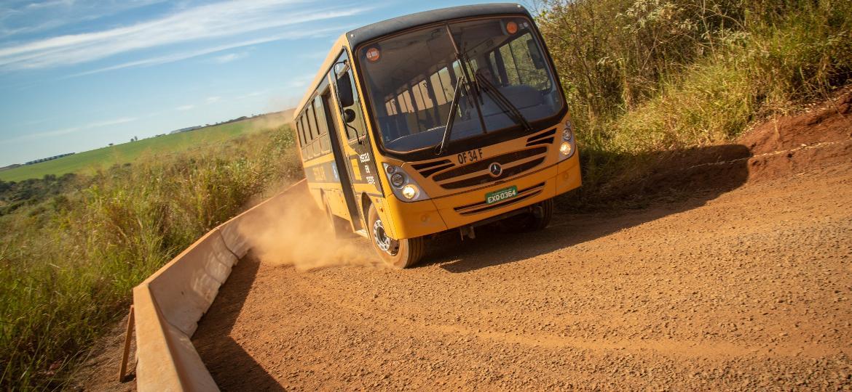 Campo de provas tem até pista sem pavimento, reproduzindo péssimas condições existentes Brasil e mundo afora - Divulgação