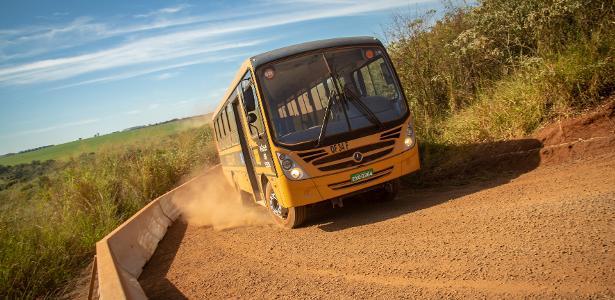 Campo de provas tem até pista sem pavimento, reproduzindo péssimas condições existentes Brasil e mundo afora