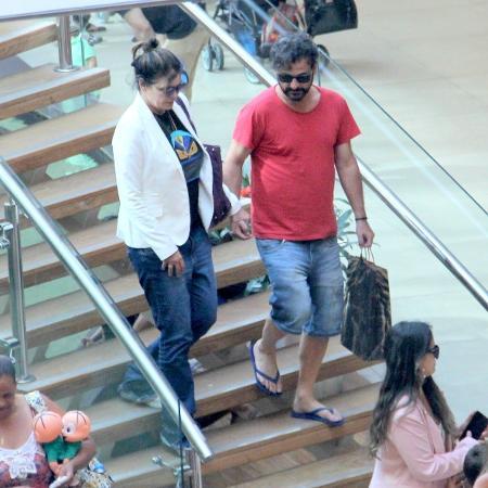 Cristiana Oliveira em passeio com o namorado em shopping no Rio - AgNews
