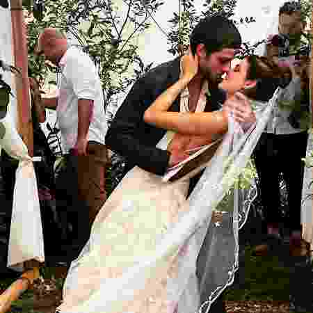Laura Neiva e Chay Suede no casamento - Instagram/Reprodução - Instagram/Reprodução