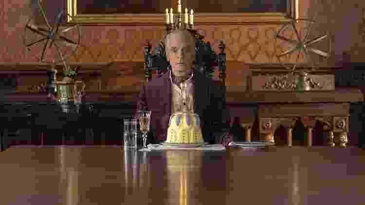 Adrian Veidt (Jeremy Irons) em Watchmen, da HBO - Reprodução/HBO - Reprodução/HBO