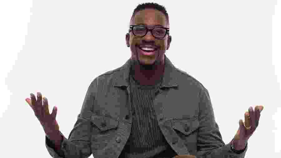 O cantor Mumuzinho fará show hoje em um drive-in (público dentro dos carros) e vai transmitir a apresentação - Washington Possato/Divulgação