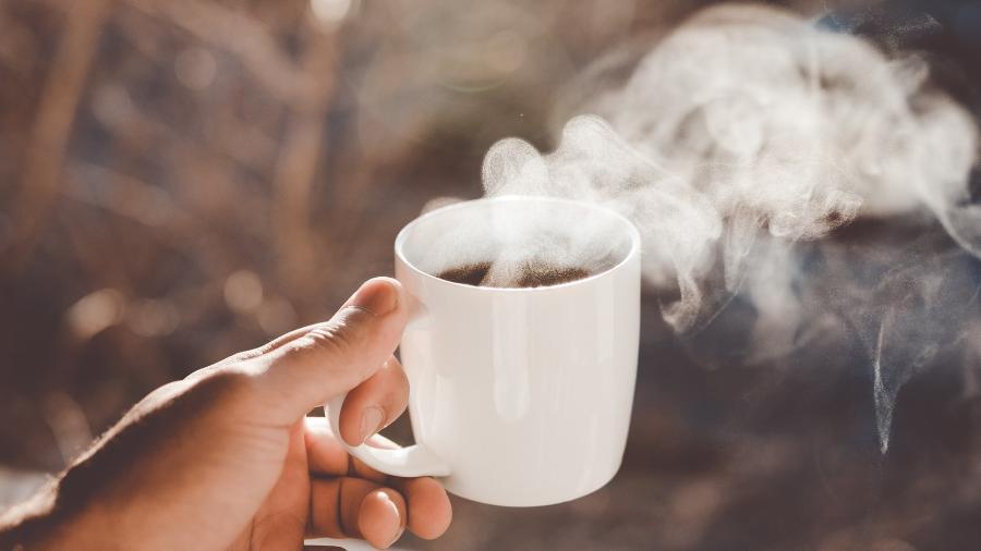 Mude o cafezinho de todo dia com a variação de métodos de preparo: um moedor de grãos faz toda a diferença - Unsplash