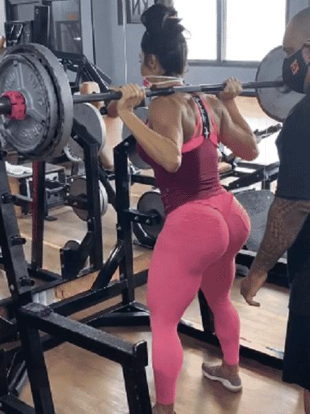 Gracyanne Barbosa mantém rotina de treinos na quarentena - Divulgação/Instagram @graoficial