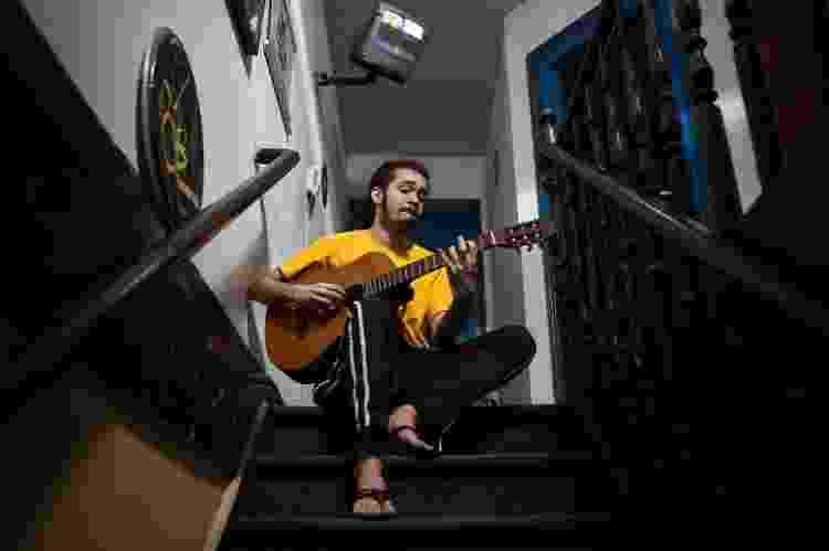 Aos 24 anos e cheio de composições na gaveta, Chico Brown trabalha no lançamento de seu primeiro disco - Ricardo Borges - 19.out.2017/Folhapress - Ricardo Borges - 19.out.2017/Folhapress