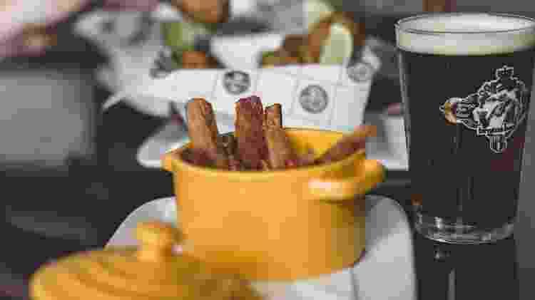 Petiscos e cerveja artesanal do Brotas Beer - Reprodução - Reprodução