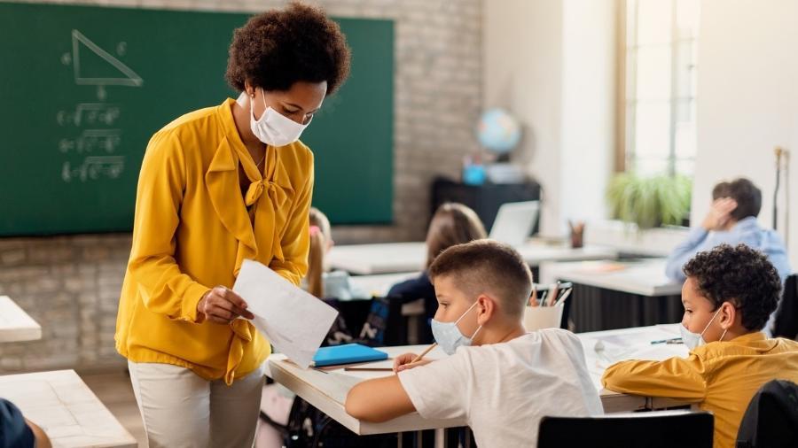 O documento apontou ainda que os salários dos professores brasileiros são os mais baixos da lista - iStock