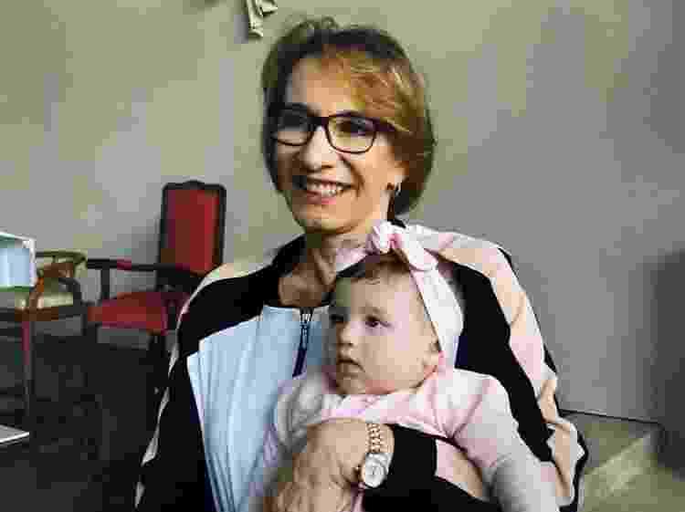 Neiva com a neta, Clara - Arquivo Pessoal - Arquivo Pessoal