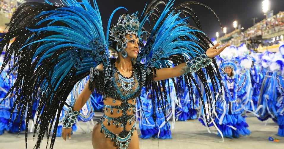 8.fev.2016 - Musa da Unidos da Tijuca desfila na madrugada desta segunda embalado pelo samba-enredo sobre agricultura