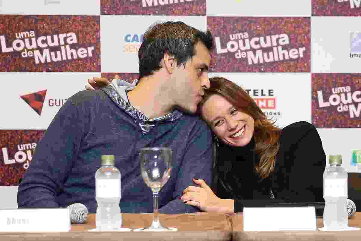 """24.abr.2016 - Bruno Garcia e Mariana Ximenes participam da entrevista coletiva para promover o filme """"Uma Loucura de Mulher"""" em um hotel de São Paulo - Manuela Scarpa/Brazil News"""