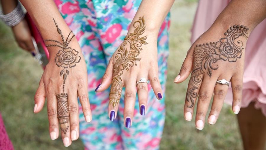 Henna na pele costuma ser moda no verão, mas pode causar alegria - Getty Images