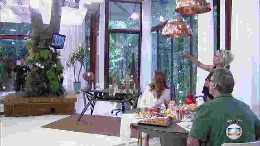 """Ana Maria Braga explica por que uma árvore faz parte do cenário do """"Mais Você"""" - Reprodução/TV Globo"""