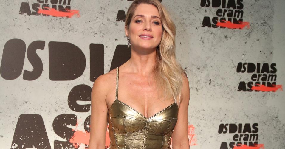 """Letícia Spiller na festa de lançamento da supersérie """"Os Dias Eram Assim"""""""