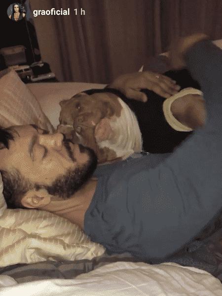 Belo e Thor, pitbull de estimação do cantor e de sua mulher, Gracyanne Barbosa - Reprodução/Instagram - Reprodução/Instagram