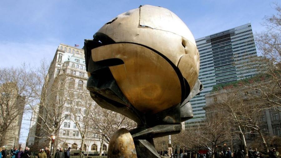 "A ""Esfera"" que fazia parte do complexo do World Trade Center - Mario Tama/Getty Images"