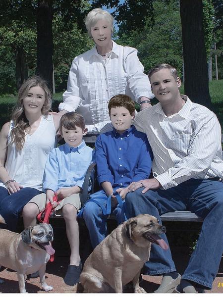 familia photoshop - Reprodução/Facebook