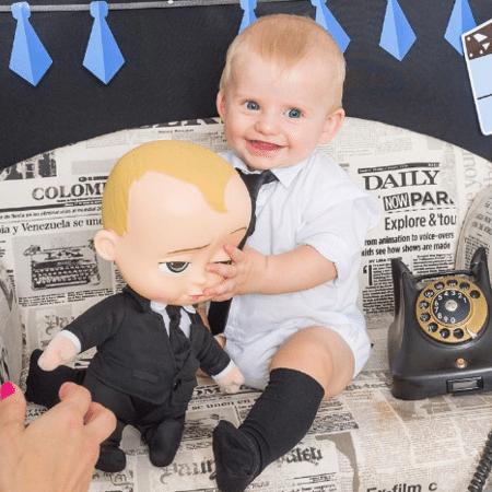 """Enrico Bacchi com o boneco do protagonista de """"O Poderoso Chefinho"""" - Colaboração para o UOL"""