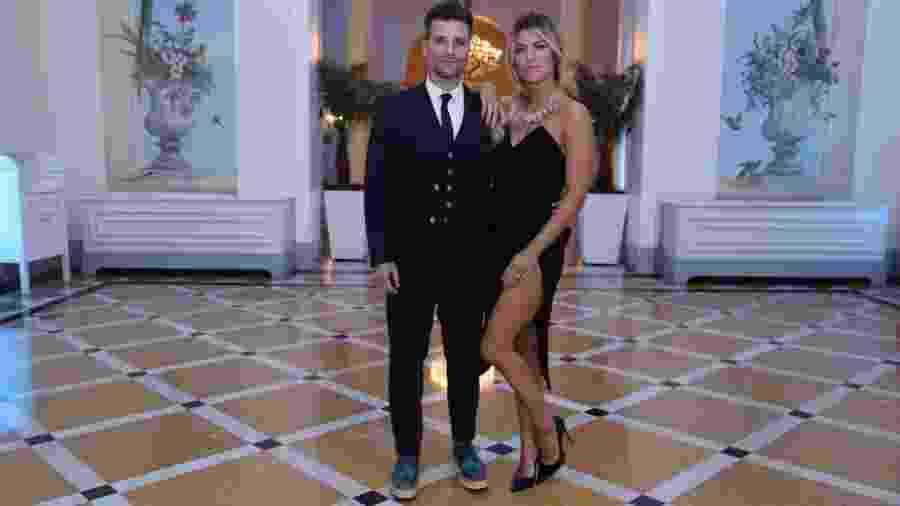 Bruno Gagliasso com tênis de salto ao lado da esposa, a apresentadora Giovanna Ewbank - Anderson Borde/Ag.News