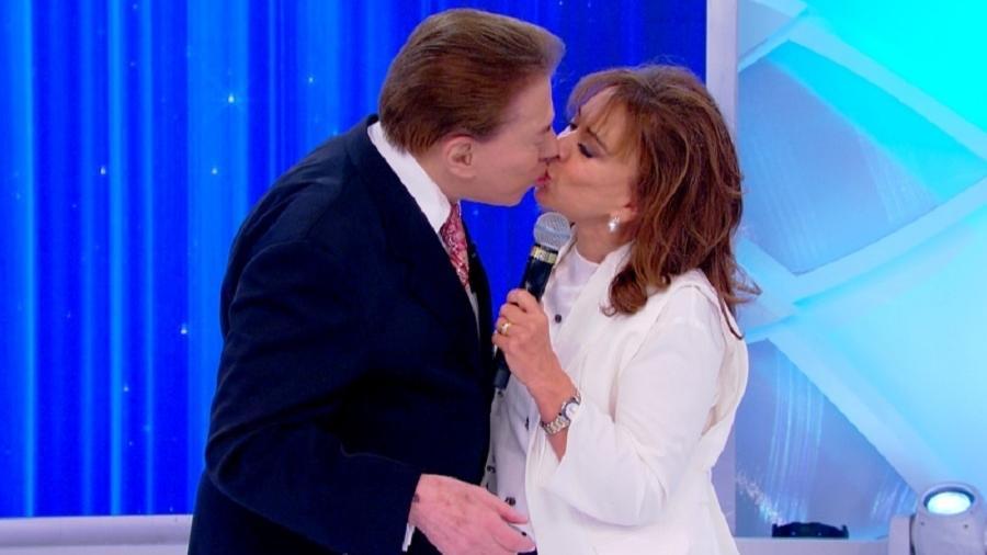 Silvio Santos beija Iris Abravanel em seu programa no SBT - Divulgação/SBT