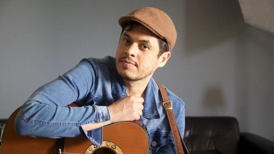 Após dez anos vivendo nos bastidores, o compositor mais disputado do sertanejo prepara primeiro EP - Divulgação