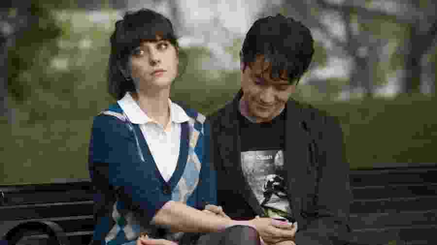 """Em """"500 Dias com Ela"""" tanto Tom ( Joseph Gordon-Levitt ) quanto Summer (Zooey Deschanel) são vítimas de clichês nos relacionamentos - Divulgação"""