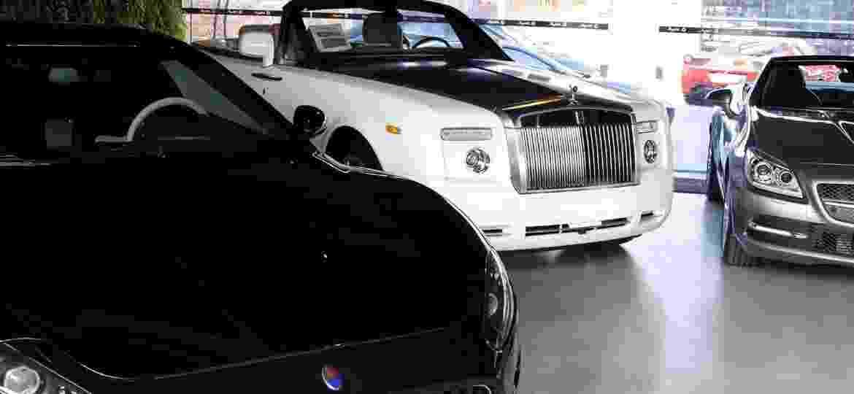 Loja de carros de luxo na capital paulista; financiamentos apresentam alta e inadimplência está em queda - Guilherme Zauith/Folhapress