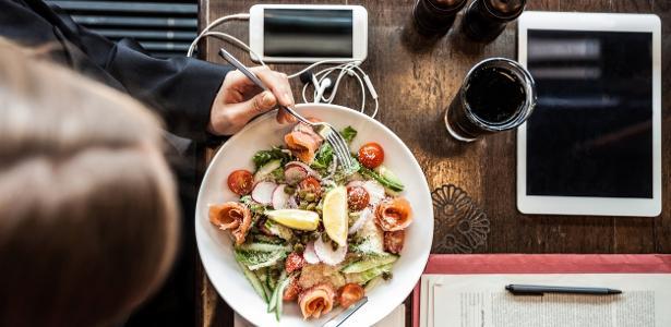 Pessoas ocupadas fazem escolhas mais saudáveis, diz estudo