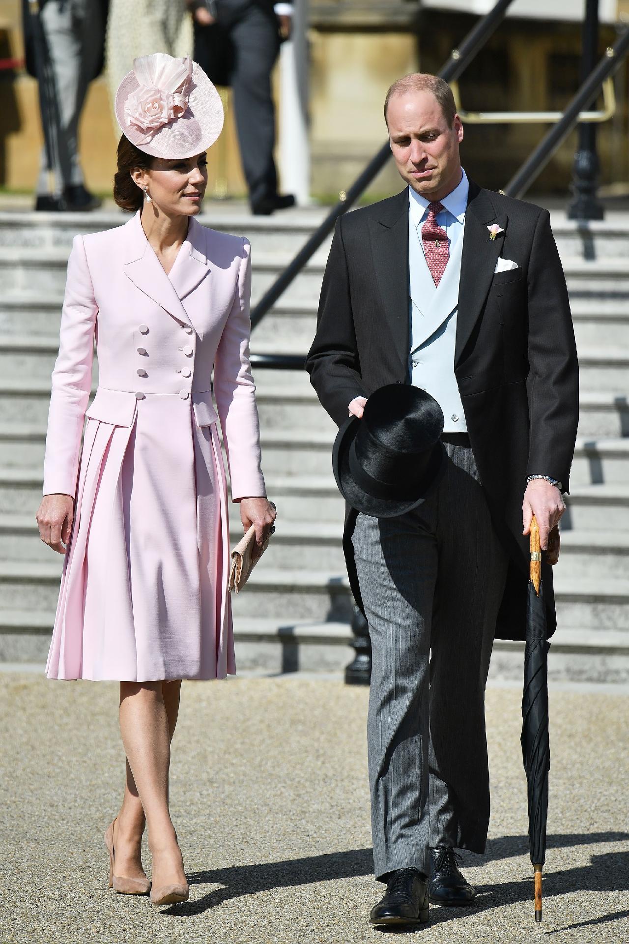 de8d039120 Look monocromático  inspire-se no truque de moda favorito de Kate Middleton